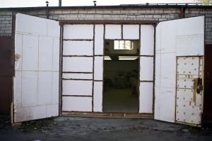 На фото - утепление гаража своими руками, oremontekv.ru