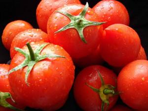 Что надо знать о домашнем приготовлении томатного сока?