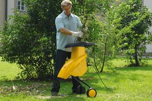 Фото садового измельчителя с электрическим типом двигателя, landscape-project.com