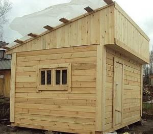 Фото конструкции односкатной банной крыши, vash-banshik.ru