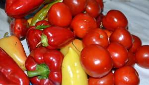 На фото - болгарский перец и помидоры, 482ua.com
