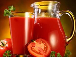 На фото - свежевыжатый сок помидоров, wavak.1ufh.com