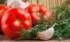 Фото ингредиентов для засолки помидоров в собственном соку, 1zoom.ru