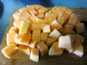 Фото нарезки мякоти дыни кубиками для заморозки, herringinfurs.blogspot.com