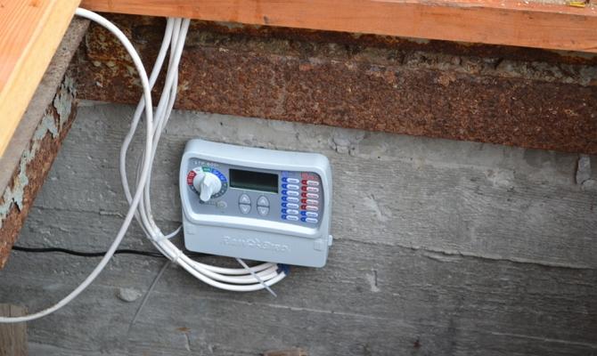 Фото контроллера системы автополива