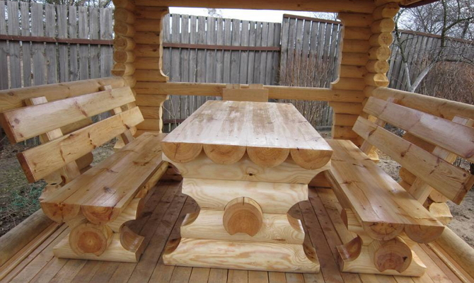 Мебель для деревянной садовой беседки