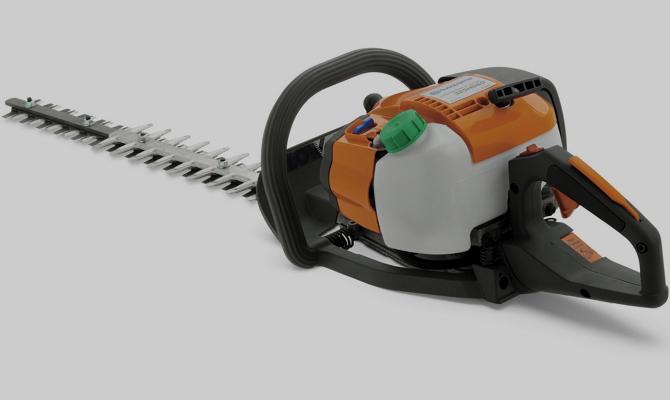 Сравниваем электрический и бензиновый кусторезы фото