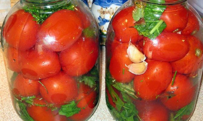 Маринованные помидоры с чесноком на зиму - быстрая заготовка томатов, рецепты Видео