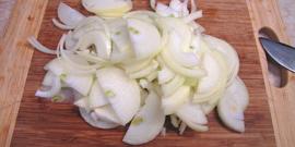 Заморозка репчатого лука на зиму – как не дать засохнуть овощу в кладовке?