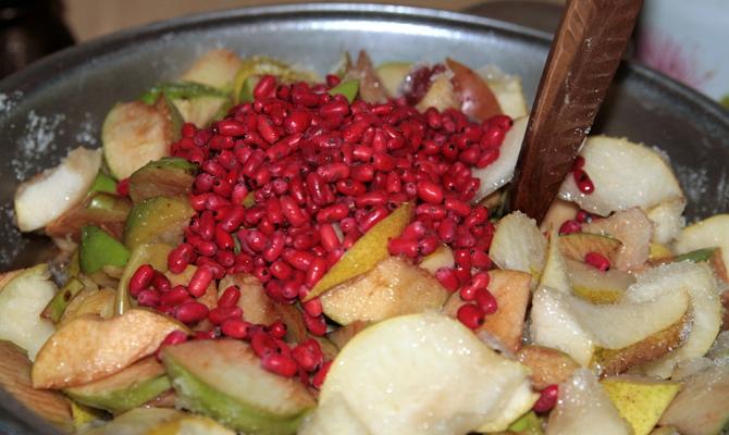 Готовим кисло-сладкий компот из барбариса фото