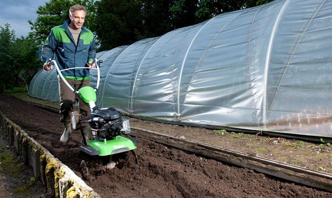 Посмотрим на полки магазинов садовой техники