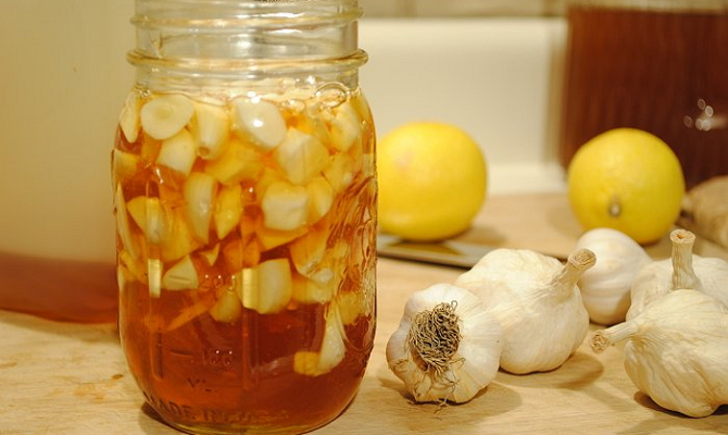 Лекарственное средство с медом