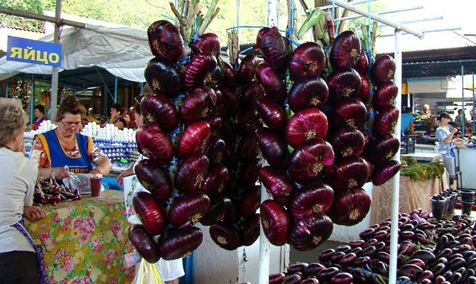 Красный ялтинский лук на продажу