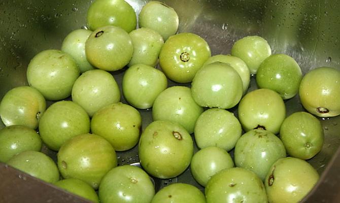 Зеленые помидоры для домашней консервации