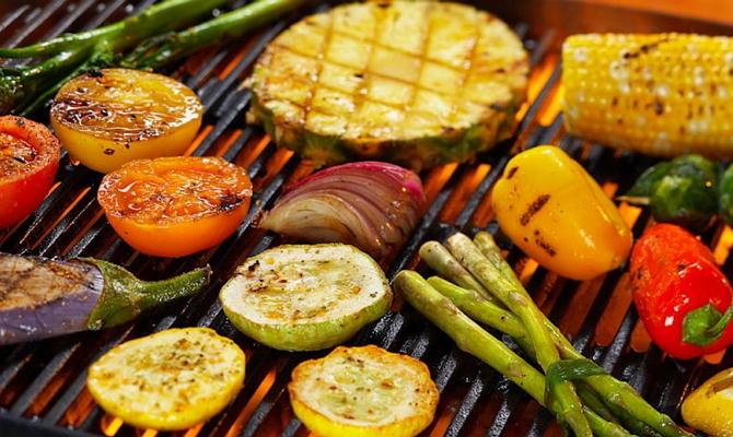 Приготовление овощей на мангале