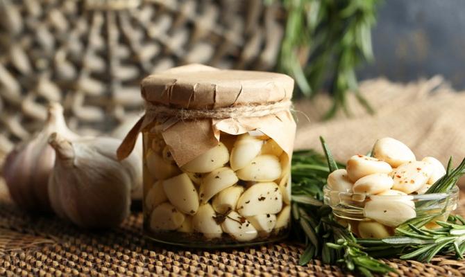 Маринованный чеснок зубчиками - рецепты приготовления на зиму Видео