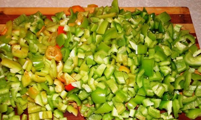 Шинковка овоща на маленькие кубики