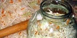 Квашеная капуста на зиму – приготовление вкусной и хрустящей заготовки