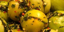 Фаршированные помидоры на зиму – делаем вкусную заготовку