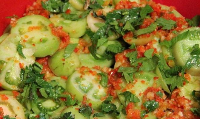 Зеленые помидоры по-грузински с орехами на зиму