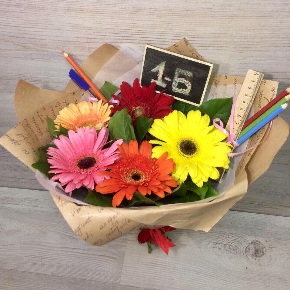 Букет, какие цветы можно купить на 1 сентября