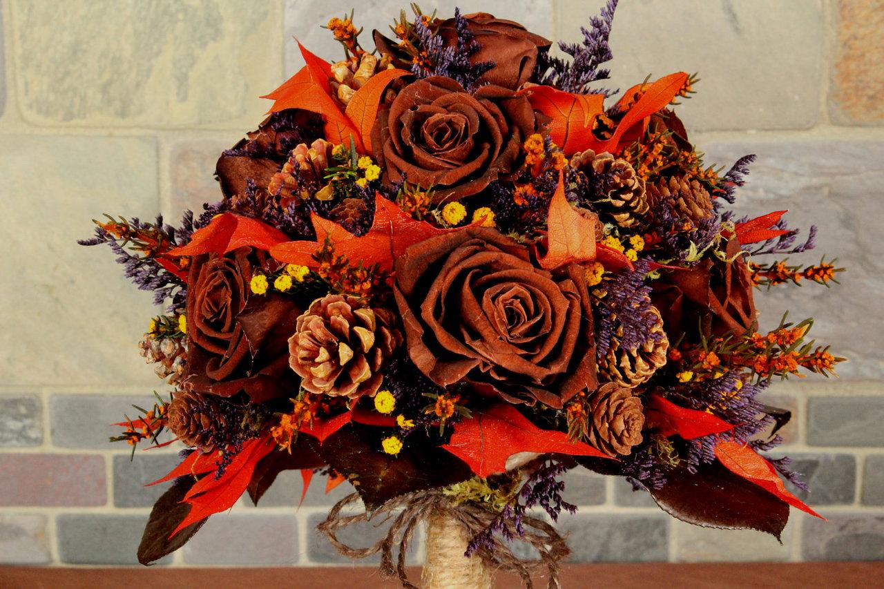 Цветов, осенний букет с шишками