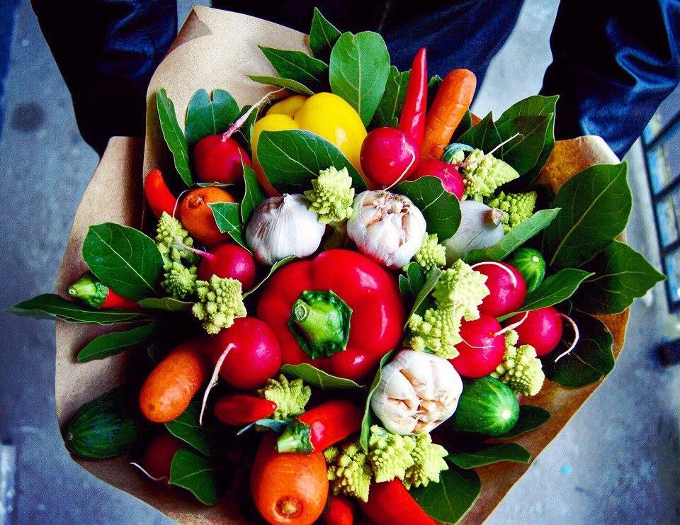 перевёрнута поздравления овощами на день рождения змеевик считался