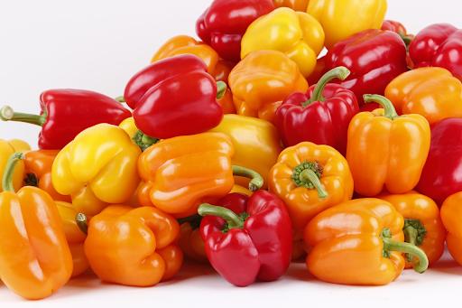 Красивый болгарский перец можно получить при дозревании, поэтому не расстраивайтесь, если плоды не достигли своей биологической зрелости на корню